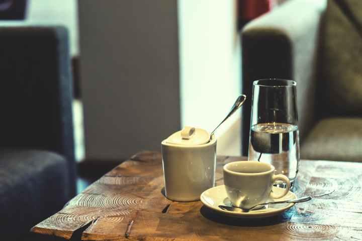 bar bar cafe blur break